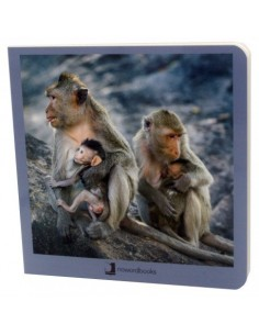 Libro de fotografías de animales en familia.